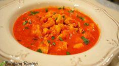 Pui Bloody Mary este un preparat aromat, foarte simplu si rapid de preparat, al carui nume vine de la celebrul cocktail Bloody Mary deoarece sunt folosite mare parte din ingredientele acestei bauturi. Ca tot am vorbit de ingrediente acestea sunt destul de putine si anume: piept de pui, sos de rosii, vodca, lamaie, sos Worcester, telina, usturoi, putin ulei, sare si piper. Bloody Mary, Thai Red Curry, Ethnic Recipes, Food, Essen, Meals, Yemek, Eten