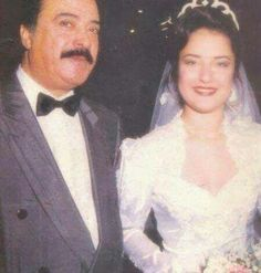 Sai, Fawzia's grand daughter with her father Yousef Shabaan in her wedding. Old Egypt, Cairo Egypt, Egyptian Movies, Egyptian Beauty, Arab Celebrities, Egyptian Actress, Visit Egypt, Vintage Photographs, Classic Hollywood