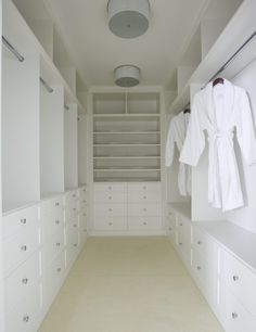 Walk In Closet Design - Design photos, ideas and inspiration. Amazing gallery of interior design and decorating ideas of Walk In Closet Design in closets by elite interior designers. Walk In Closet Small, Walk In Closet Design, Small Closets, Dream Closets, Closet Designs, Walk Through Closet, Long Narrow Closet, Walk In Robe Designs, Small Master Closet
