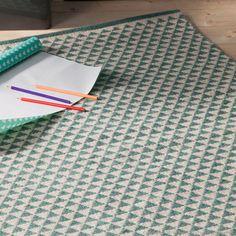 Tapis en laine et coton tissé main motif triangles Ylle - Vert