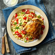 Weight-Loss Meal Plan for Summer Grilled Chicken Thighs with Summer Corn Salad Grilled Chicken Thighs, Grilled Chicken Salad, Grilled Chicken Recipes, Clean Eating Meal Plan, Clean Eating Recipes, Healthy Eating, Healthy Food, Healthy Habits, Caviar