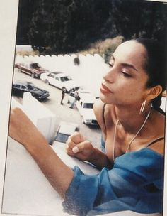 Lessons in Style - SADE - Blue is in Fashion this Year Quiet Storm, Marvin Gaye, Easy Listening, Sade Adu, Divas, Winter Typ, Beautiful People, Beautiful Women, Vintage Black Glamour