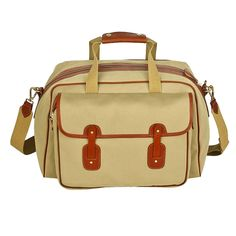 The Traveller 19 Weekender in khaki, ideal for a long weekend and handily sized for carrying on your shoulder. Made in England by Chapman Bags Canvas Bags, Work Bags, Long Weekend, Weekender, Luggage Bags, England, Shoulder Bag, Leather, Accessories