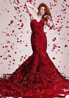 vestito-a-sirena-fatto-di-rose