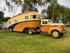 This is one awesome caravan!From Vintage Caravan Magazine♠. Old Campers, Vintage Campers Trailers, Vintage Caravans, Camper Trailers, Custom Campers, Classic Campers, Classic Trucks, Camper Caravan, Truck Camper
