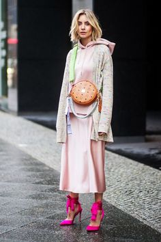 Why Berlin Has Some of the Best Street Style, in 12 Photos - Fashion Week Moda Fashion, Fast Fashion, Latest Fashion For Women, Fashion Outfits, Womens Fashion, Fashion Trends, Fashion Ideas, Woman Outfits, Fashion Blogs