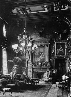 King Edward VII & Quess Alexandra's country residence Inside a Victorian Mansion Victorian Rooms, Victorian House Interiors, Victorian Parlor, Victorian Life, Victorian Decor, Vintage Interiors, Victorian Gothic, Victorian Fashion, Gothic Mansion