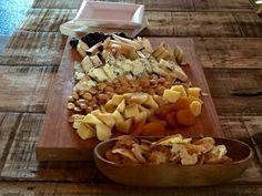 5 fun places to eat in Annapolis: Cheese platter Great Frogs Winery Maryland Day Trips, Annapolis Maryland, Cheese Platters, Places To Eat, Weekend Getaways, Frogs, Dining, Fun, Food