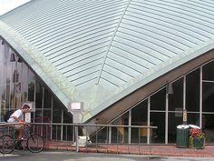 MIT Arena - Eero Saarinen - Boston