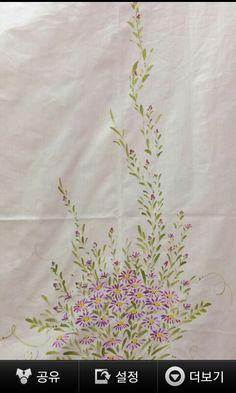 안방 커튼에 구절초로 화사하게 그렸어요 : 네이버 블로그 Dress Painting, Fabric Painting, Fabric Art, Fabric Paint Designs, Fabric Design, Hand Painted Sarees, Flower Tattoo Designs, Hand Embroidery Designs, Chinese Painting