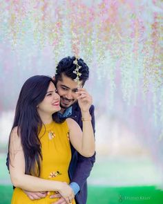 26 Poses Every Single Person Will Immediately Recognize - Best Photo Archive Young Couples Photography, Wedding Couple Poses Photography, Indian Wedding Photography, Cute Couple Poses, Couple Photoshoot Poses, Couple Dps, Couple Pictures, Romantic Couples, Wedding Couples