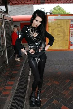 True Goth girl at WGT. Check out the old folks in the background
