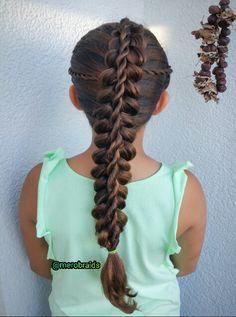 Stacked dutchbraid with a rope twist