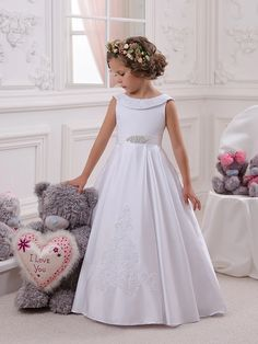 Cheap girls dress white, Buy Quality girls dress directly from China flower girl dresses white Suppliers: Hot Flower Girl Dress White Bow Sash Sleeveless O-Neck First Communion Dress Hot Sale Vestidos Flower Girls, Cheap Flower Girl Dresses, Wedding Flower Girl Dresses, Girls Dresses, Cheap Dress, Wedding Gowns, Bride Dresses, Ball Dresses, Ball Gowns