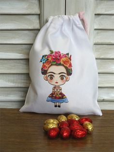 πασχαλινά σοκολατένια αυγουλάκια σε πουγκί Frida Kahlo Drawstring Backpack, Backpacks, Bags, Decor, Frida Kahlo, Handbags, Decoration, Drawstring Backpack Tutorial, Taschen
