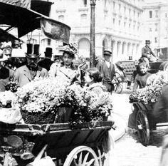 Vendedores de flores en las calles de París en 1898.