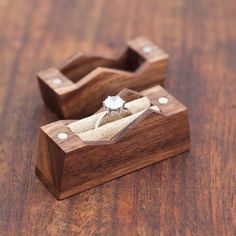 Mountain ring box. Cute. X