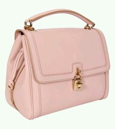 Love this Dolce and Gabbana bag ❤ ❤ ❤