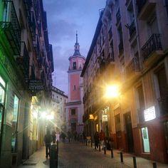 Las 19.25 y todo serenoooooo! #Madrid #igersmadrid #MonumentalSpain #vscocam #igers #MadridMeMola #Lavapiés by un_sereno