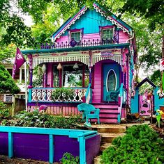 Looking to visit a travel destination in Ontario that's off most tourist's radar? Look no further than the Grimsby Beach Cottages, which are brightly coloured gingerbread houses come to life! Bohemian House, Hippie House, Bohemian Decor, Hippie Life, Beautiful Buildings, Beautiful Homes, Cute House, Beach Cottages, Victorian Homes