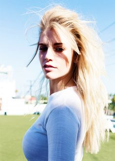 London Grammar's Hannah Reid photographed by The Collaborationist (x)