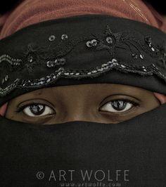 Africa |  Portrait of a woman.  Zanzibar, Tanzania | © Art Wolfe