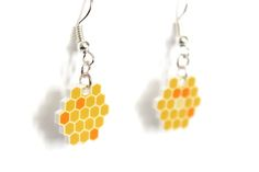DIY honeycomb shrinky dinky plastic earrings