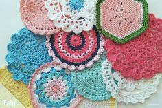 38 Schön Und Sauber Liebesknoten Häkeln Anleitung | Häkeln Ideen Knitting Designs, Knitting Patterns, Crochet Patterns, Granny Square Projects, Mercerized Cotton Yarn, Pots, Painted Mugs, Granny Square Blanket, Textiles