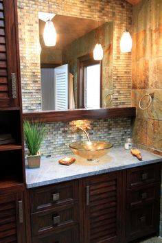 This would totally work in the unfinished bathroom. Except I want s different sink. I'm just not find if those countertop bowl sinks.