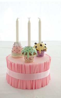 DIY cake stand http://cakejournal.com/tutorials/how-to-make-a-cake-stand-for-cupcakes-or-mini-cakes/#