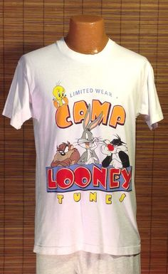 Vintage 1993 Medium Limited Wear Camp Looney Tunes, Warner Brothers Souvenir T-shirt. White Garment Graphics Activewear brand shirt, 100% co
