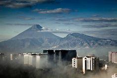 Amanecer en la ciudad de Guatemala (Foto Alvaro Rodríguez)