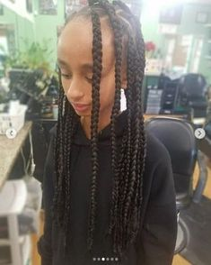 Are you looking for box braids for kids? Yes, you've reached the right place as here at MrKidsHaircuts we have shared the best 31 box braids for kids. Baby Girl Haircuts, Haircuts With Bangs, Cool Haircuts, Thick Box Braids, Kids Box Braids, Box Braids Hairstyles, Hairstyles For School, Top Braid, Cool Braids