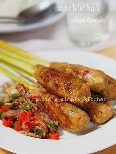 Sate Lilit Ikan Khas Bali (Balinese-style Fish Wrapped Satay) Recipe.