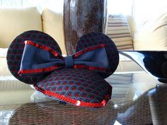 I am in love with these Mickey Ear fascinators! How awesome are these!!