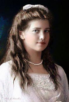 Grand Duchess Maria Nikolaevna of Russia was the third daughter of Tsar Nicholas II and Tsarina Alexandra Fyodorovna of Russia. Alexandra Feodorovna, Anastasia Romanov, Estilo Jackie Kennedy, Zar Nikolaus Ii, Familia Romanov, Romanov Sisters, Grand Duchess Olga, House Of Romanov, Tsar Nicholas