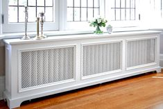 BACK BAY Radiator Cover by Fichman Furniture Smart living: Make of your radiator a small cute table! Back Bay Style Radiator Cover Custom Radiator Covers, Radiator Covers Ikea, Modern Radiator Cover, Home Radiators, Decoration Design, Reno, Baseboards, House And Home Magazine, My Living Room