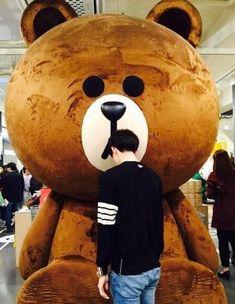 Sehun and his big brown bear chingu Kaisoo, Chanbaek, Kyungsoo, Exo Korean, Korean Boy, Korean Ulzzang, Ulzzang Boy, Ulzzang Couple, Kim Minseok