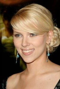 I love Scarlett Johansson, and I want this hair from 2004.