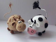 PDF Workshop on knitting the bull Gavryusha amigurumi # schemesamigurumi # amigurumi # knitted toys Crochet Cow, Crochet Animal Amigurumi, Knitted Animals, Cute Crochet, Crochet Motif, Giraffe Crochet, Simple Crochet, Amigurumi Doll Pattern, Stuffed Animal Patterns