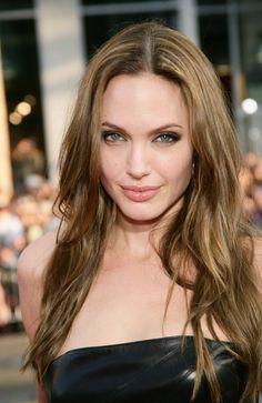 Angelina Jolie Wears Long Waves : 2014 New Hair Style Models