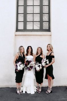 Black knee-length bridesmaids dresses #bridesmaidsdresses #blackbridesmaidsdresses