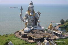 Гигантская статуя Шивы в Мурдешваре