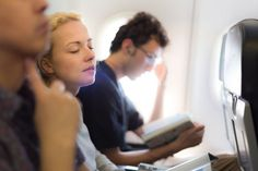 The fear of flying is one of the most common phobias, and can be very difficult to overcome because of the many factors that can cause fear coming into play simultaneously. You may feel claustrophobic while flying, you may fear being United Airlines, Fort Lauderdale, Air Travel, Travel Tips, Travel Plane, Travel Ideas, Travel Hacks, Food Travel, Travel Articles