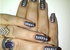 Studs-Nail-Art-for-hands
