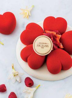 66 New Ideas Fruit Bouquet Rouge Healthy Fruit Smoothies, Fruit Smoothie Recipes, Dessert Recipes, Gorgeous Cakes, Amazing Cakes, Mirror Glaze Cake, Valentine Cake, Chocolates, Mousse Cake
