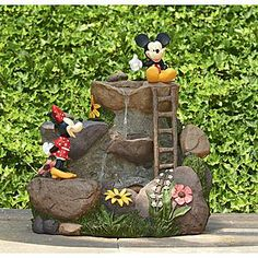 mickey and minnie fountain, so cute!