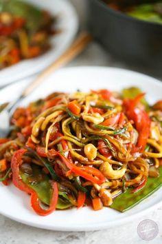 zucchini noodle cashew stir fry