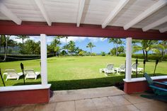 Julia Roberts Is Selling Her Beachfront Estate in Hawaii  - HouseBeautiful.com