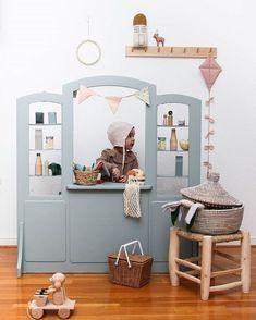 Nous allons faire un tour maintenant, tant que . - Diy Baby Deco - The World Baby Deco, Parents Room, Deco Design, Little Girl Rooms, Kid Spaces, Kids Decor, Kids House, Kids Furniture, Diy For Kids